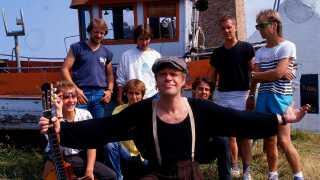 Kim Larsen & Bellami fotograferet på Bornholm i 1986.