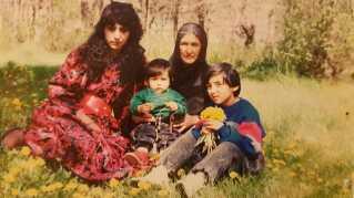 Khalida med sin familie