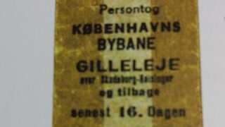 Billetten fra 1943, som Isi Foighel gemte i sin scrapbog fra Sverigestiden.