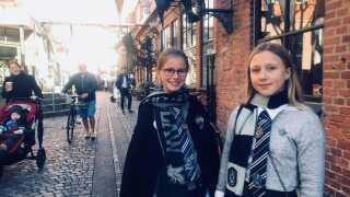 Thea og Andrea er nogle af de gæster, som har affundet sig med, at det stadig kan være magisk, selvom Harry Potter ikke er hovedperson.