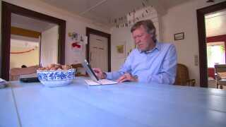 Jens Frøstrup fra Tranderup har mistet sin hustru til kræft. Hun tilbragte sin sidste tid på Sygehusafdeling Ærø.