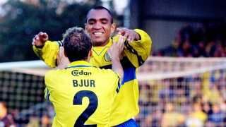 Mål og krammer af Ole Bjur. Det begyndte lykkeligt for Vragel da Silva, men endte helt galt i debuten for Brøndby.