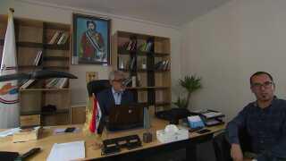 Sådan ser der ud på kontoret hos ASMLA-folkene i Ringsted. Her ses talsmanden for ASMLA til højre og lederen af ASMLA til venstre, som en iransk efterretningstjeneste ifølge danske myndigheder har planlagt at dræbe.