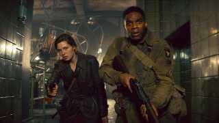 Mathilde Ollivier og Jovan Adepo medvirker i 'Overlord' i deres hidtil største filmproduktion.