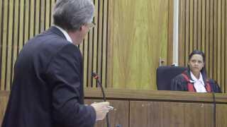 Dommeren har efterkommet Britta Nielsens ønske om at vende tilbage til Danmark