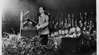 Hitlers propagandaminister, Joseph Goebbels, havde efter drabet på den tyske diplomat i Paris en samtale med Hitler, og derefter holdt han en hadefuld tale vendt mod jøderne. Budskabet fra Hitler var, at nazipartiet ikke måtte forberede og udføre aktioner mod jøderne, men hvis de spontant opstod, skulle man ikke forhindre dem. Dermed udførte nazisterne overgrebene i det skjulte.