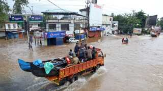 Kerala i Indien blev i august ramt af oversvømmelser efter voldsomme regnskyl. 223 døde, 1,4 millioner måtte flygte og omkostningerne løb op i mere end fire milliarder dollar (26 mia. kr.).