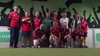 Holdet her i Valby spiller to gange om ugen. - Det er perfekt - jeg har bedre kondi nu, end da jeg var 70, siger 83-årige Leif Olsen.
