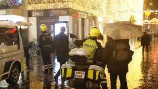 Politiet var massivt til stede i det indre København efter torsdagens røveri i Illum.