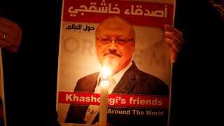 Jamal Khashoggi bliver mindet ved en demonstration ved det saudiarabiske konsulat i Istanbul i Tyrkiet.