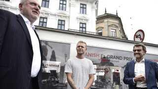 Kevin Magnussen sammen med Helge Sander (th.) og Lars Seier Christensen (tv.), som begge arbejdede hårdt for at få Formel 1 til København.