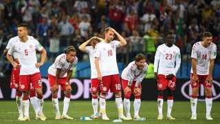 Skuffede danske spillere efter kampen. Nederlaget til Kroatien er en realitet, og Danmark er færdig ved VM.