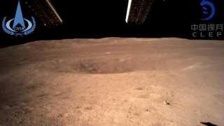 Chang'e-4s første billede af Månens bagside.