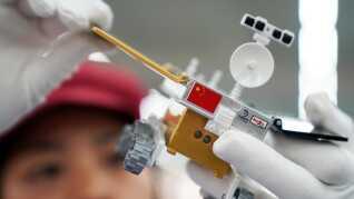 """En modeludgave af den kinesiske Chang'e 4 rover, der er landet på Månens """"mørke side""""."""