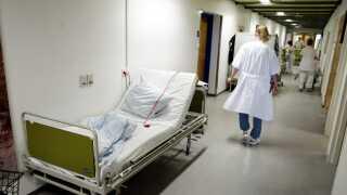 (ARKIV) Foto fra Holstebro Sygehus den 11. januar 2013. Der bliver flere ældre, og det presser sundhedsvæsenet. Der er behov for 700 ekstra medicinske sengepladser frem mod 2025, vurderer lægeforening. Det skriver Ritzau, tirsdag den 11. december 2018.. (Foto: Morten Stricker/Ritzau Scanpix)