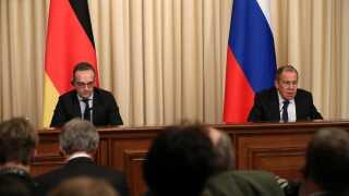 Den tyske udenrigsminister, Heiko Maas (tv.) ses her sammen med den russiske udenrigsminister, Sergej Lavrov (th.)
