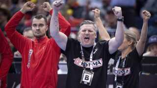 Der har været stor ros til landstræner Nikolaj Jacobsen for at føre herrerne til VM-guld.