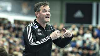 Peter Bredsdorff-Larsen forventer meget af sine VM-profiler, men han vil også hjælpe dem til at puste ud, når muligheden er der.