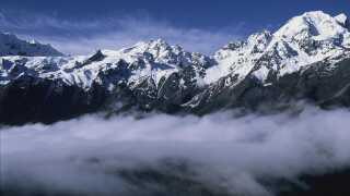 Himalaya-bjergkædens is er en vigtig vandforsyning for op mod 1,8 milliarder mennesker, som bor i lavlandet.