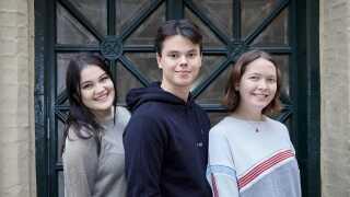 Fra venstre: Stephanie, Christian og Rachel er hovedpersonerne i 'Årgang 0'. Den fjerde pige, Emma, valgte at trække sig efter sæson 15.