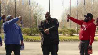 Killer Mike (i midten) slog igennem som rapper med albummet 'Monster' i 2003. Nu er han aktuel i ny Netflix-serie.