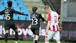Randers FC's Saba Lobzhanidze scorer til 2-0 i Superligakampen mellem AaB og Randers.