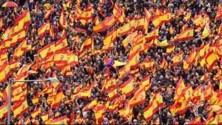 Demonstrationen mod regeringen er den største, siden socialisterne kom til magten i juni sidste år.