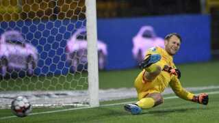 Nicolai Larsen kunne ikke gøre noget ved Besar Halimis udligning til 1-1.