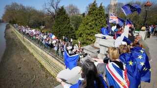 Mange briter ønsker fortsat deltagelse i EU-samarbejdet. REUTERS/Toby Melville