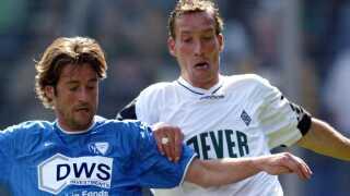 Thomas Christiansen (blå) scorede i 2002/2003 21 sæsonmål for Bochum.