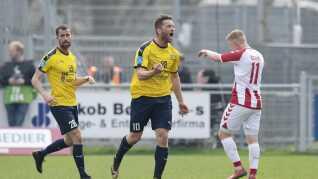 Hobros Pål Alexander Kirkevold jubler over sin scoring.