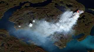 I sommeren 2017 udbrød flere naturbrande i Grønland. Her ses en af dem fotograferet fra en af ESA's satellitter.