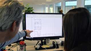 """""""Alle mine kompetencer som bygningskonstruktør har været i spil til projektet,"""" siger Mihaela Georgieva om sin nuværende opgave med at udarbejde afgørende tekniske tegninger, der skal udstikke retningslinjerne for et større lejlighedskompleks på omkring 32.000 kvadratmeter."""