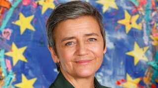 Den danske konkurrencekommissær, Margrethe Vestager (R), er et kendt ansigt i Bruxelles, men man kan ikke stemme på hende ved valget.