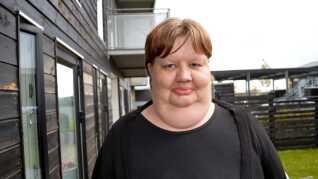 Heidi Hagelskjær Petersen har boet i Aalborg Øst i 26 år. Nu bor hun i de nyrenoverede lejligheder på Tambosundvej.