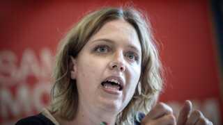 Rina Ronja Kari fra Folkebevægelsen mod EU mener, man bør overveje, om et land som Rumænien overhovedet skal være med i EU.