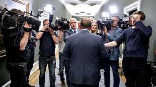 Igen, igen er det statsminister Lars Løkke Rasmussen, der sidder i en regeringskrise. Han var ellers lige nået dertil, hvor både regeringen og han selv begyndte at få noget, der ligner et tiltrængt momentum.