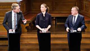 Socialdemokratiet vil i regering alene, Dansk Folkeparti vil i regering med Venstre - og alle tre partier vil fortsætte en stram udlændingepolitik, lyder status efter en nyhedsrig grundlovsdag.