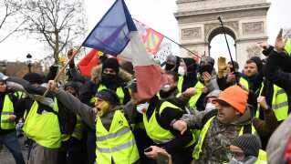 Demonstranterne fra protestbevægelsen 'De gule veste' satte et voldsomt aftryk på Paris hele lørdagen.