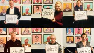 Jakob Ellemann-Jensen, Ida Auken, Johanne Schmidt-Nielsen, Uffe Elbæk, Pia Kjærsgaard og Mette Abildgaard medvirker i 'Åbne Ører'.