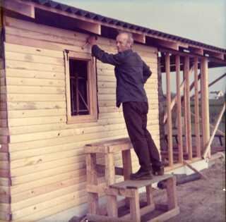 I 1970'erne eksploderede byggeriet af sommerhuse i Danmark. Drømmen om et fristed og om at være herre i eget hus var stærk.