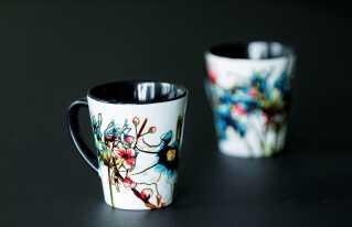 Marie Dyekjær Eriksens første porcelænsserie er allerede klar til kunderne. Hun har siden lavet en ny serie kopper, 'Fabula Nordic', og håber på at kunne udvide serien med fade, skåle og tallerkener.