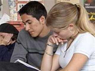 De studerende skal skubbes hurtiger gennem uddanelsessystemet, siger kommissionen