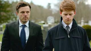Flere medier spår skuespilleren Casey Affleck (t.v.) til at vinde Oscar'en for 'Bedste mandlige hovedrolle' over Ryan Gosling i storfavoritten 'La La Land'.