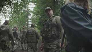 Det polske skovpoliti holder øje med DR's udsendte.