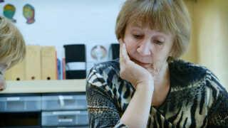 Else er frivillig bedstemor på Grauballe Skole to gange om ugen i et par timer.