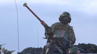 En styrke på 200 danske soldater deltager også i øvelsen. De skal snart sendes til Estland som et led i en mission for Nato.