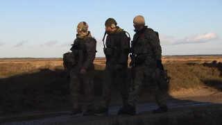 Tusindvis af bevæbnede soldater har indtaget Oksbøl for at træne en dansk enhed til Nato-mission.