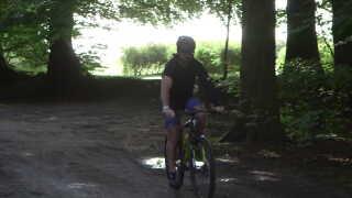 Det er ikke kun vigtigt, at Søren lærer at styre cyklen igen, når han genoptræner. Det er også vigtigt, at han bliver så god til at cykle, at han ikke skal bruge ekstra opmærksomhed på det - som tager fokus fra, hvad der sker i trafikken.