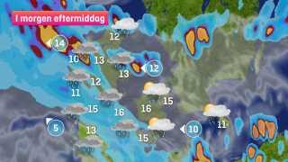 Først på dagen er regnen centreret om Jylland, mens et område med mindre, intense byger formentlig trækker op omkring Sjælland og øerne i løbet af eftermiddagen.